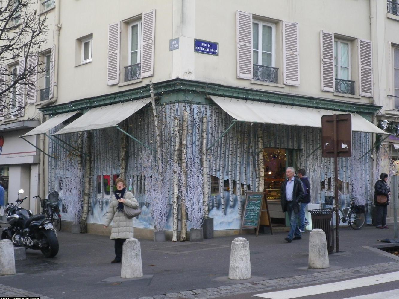 D coration graffiti professionnels d coration d for Deco facade maison noel