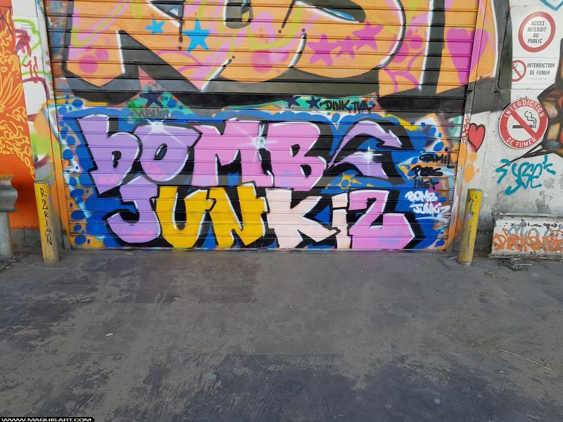 Photo de ??? / BOMB / JUNKIZ / , réalisée au Maquis-art Wall of fame - L'aérosol, Paris