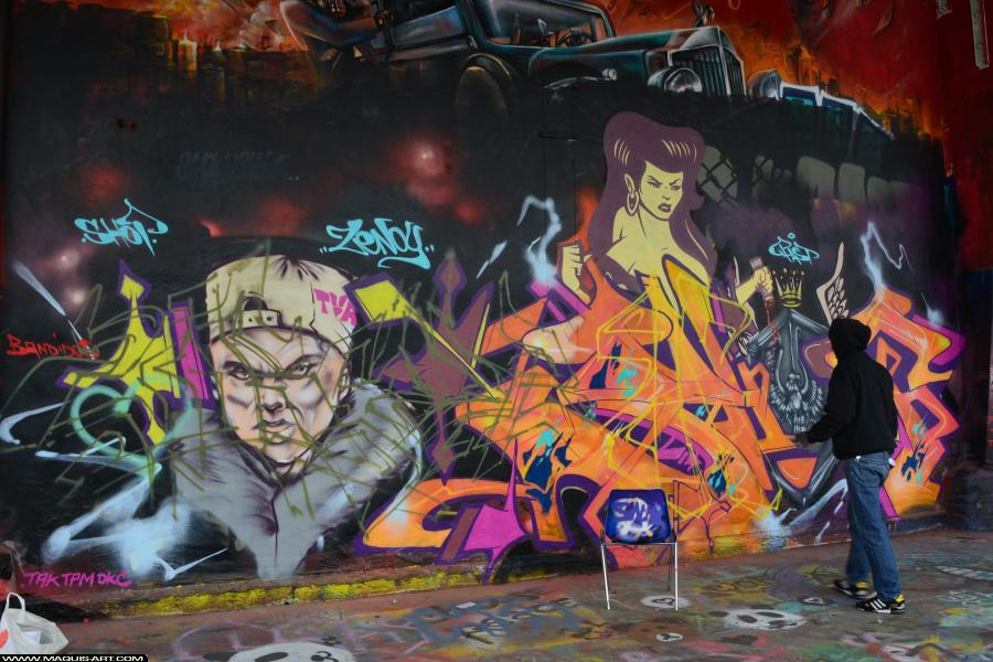 Photo de 2RODE, 90DBC, DKA, D77, CKT, NST, RIP, réalisée au Maquis-art Wall of fame - L'aérosol, Paris